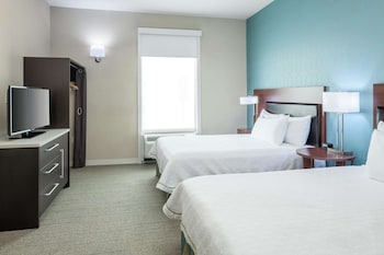 Suite, 2 Queen Beds, Accessible, Bathtub