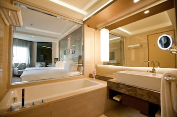 Graceland Bangkok Hotel - Bathroom  - #0