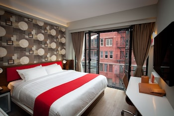 Room, 1 King Bed, City View (Juliet Balcony)