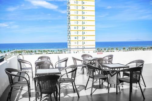 Suite De Ville Da Nang Beach, Ngũ Hành Sơn