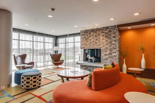 . Fairfield Inn & Suites Columbia