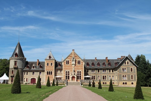 . Château de Beguin