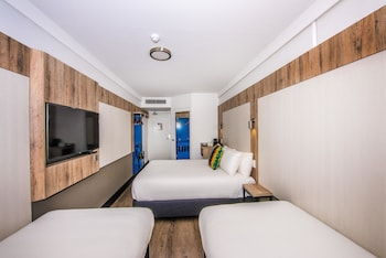 Guestroom at ibis budget Sydney Airport in Mascot