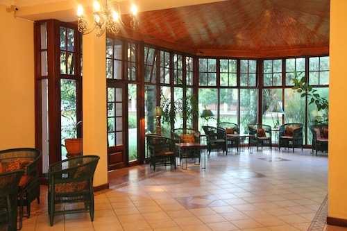 Bronte Hotel, Harare