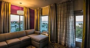 Guestroom at Holiday Inn Express & Suites Garland E - Lake Hubbard I30 in Garland
