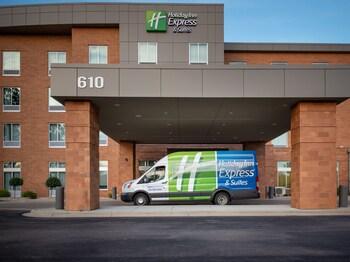 Top 25 Hotels Near Allis Elementary School in Madison, WI