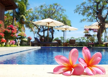 Hotel - Frangipani Beach Hotel
