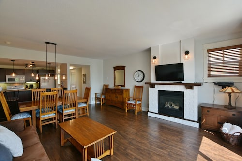 The Lodges at Blue Mountain - Rivergrass Condo, Grey