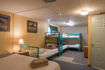 SnowMansion Taos Hostel Ski Lodge Inn & Campground