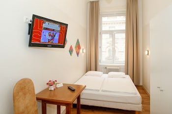 Double Room, Private Shower, Shared Toilet
