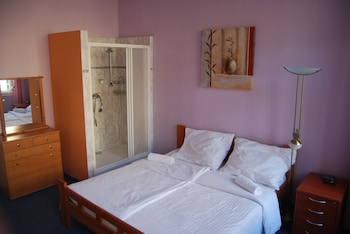 Standard Double Room (Shared toilet)