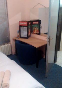 Economy Room, Private Bathroom (5people)
