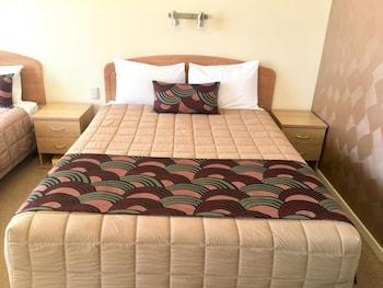 Guestroom at Gosford Palms Motor Inn in West Gosford