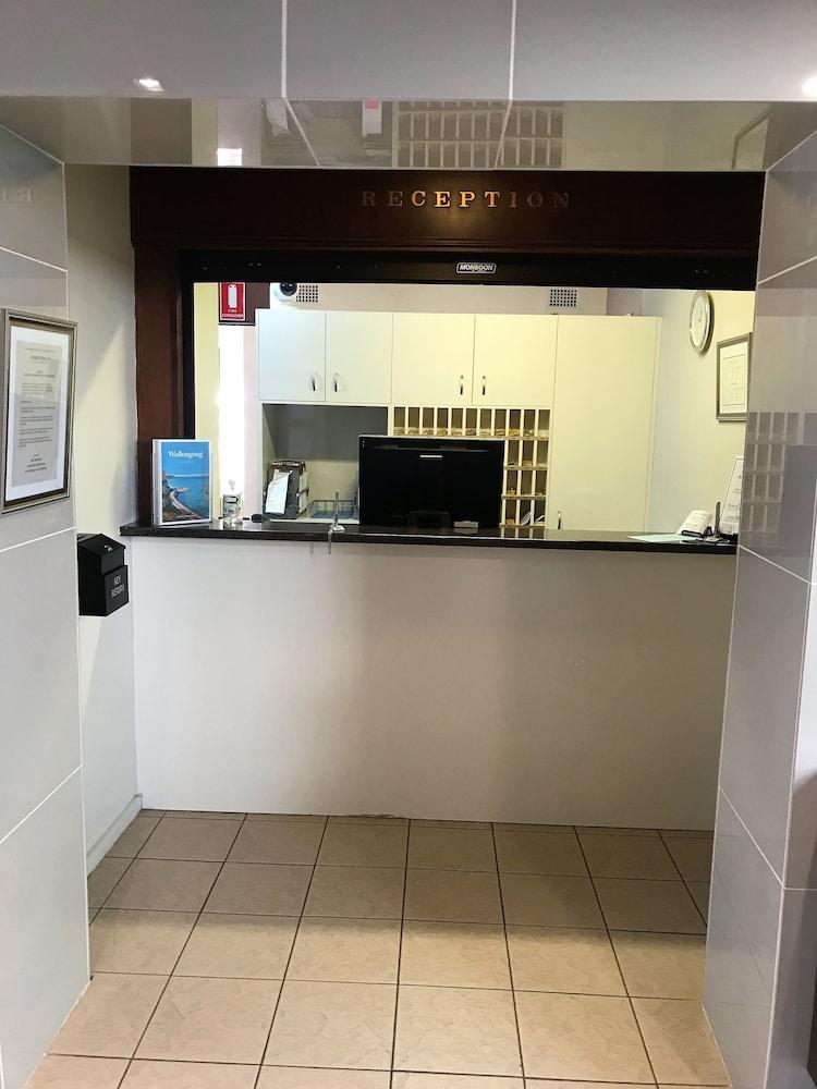 入住/退房自助服務台