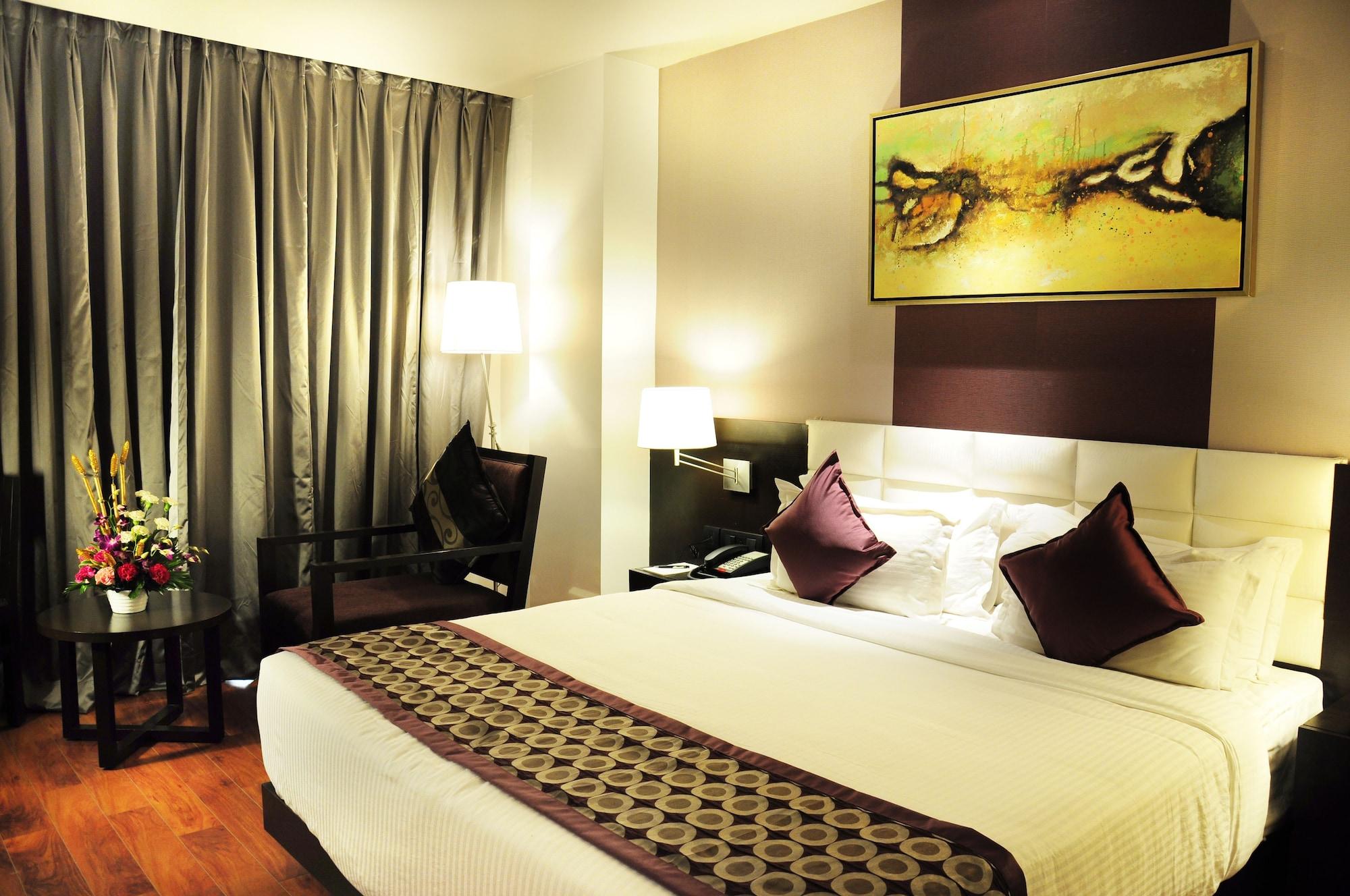Senses Hotel, North 24 Parganas