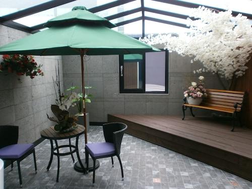 Hotel Minos, Hwaseong