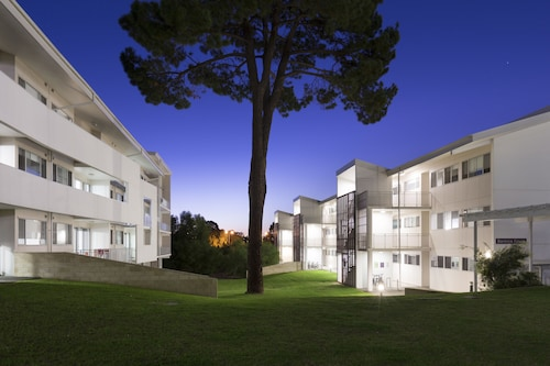 . Murdoch University Village