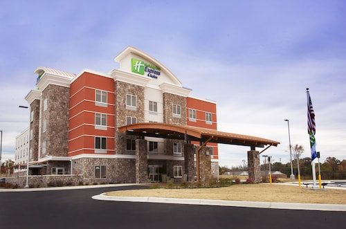 . Holiday Inn Express & Suites Hot Springs, an IHG Hotel
