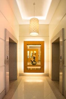 Vieve Hotel Manila Lobby