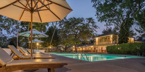 . The Lakeside Hotel at Nuwarawewa