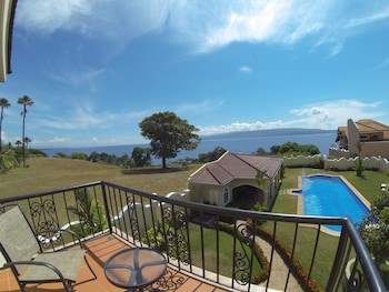 Villa Pedro - Boutique Hotel Negros Oriental Balcony View