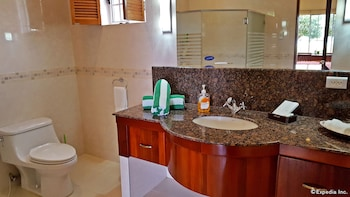 Villa Pedro - Boutique Hotel Negros Oriental Bathroom Sink