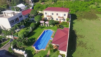 Villa Pedro - Boutique Hotel Negros Oriental Property Grounds