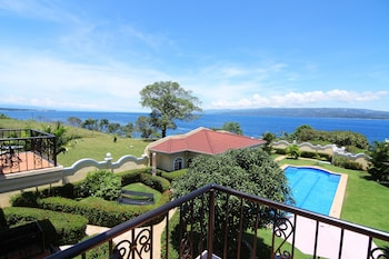 Villa Pedro - Boutique Hotel Negros Oriental Featured Image