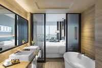 Deluxe Suite, 1 Bedroom, Business Lounge Access