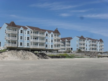 Seascape Deluxe Beach Condos by A B Sea Rentals