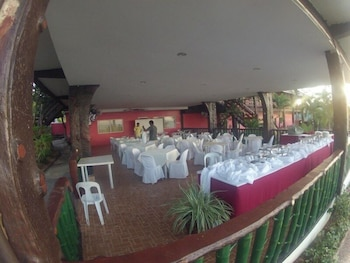 Santiago Bay Garden & Resort Cebu Banquet Hall