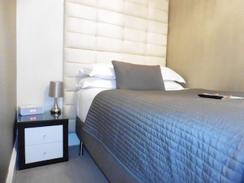 Double Room, Ensuite (Small)