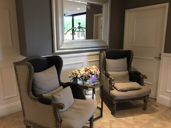 Lobby Sitting Area at Miramare Gardens in Terrey Hills