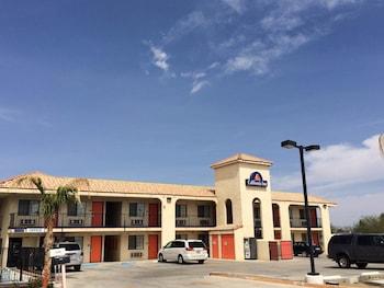 California Inn & Suites
