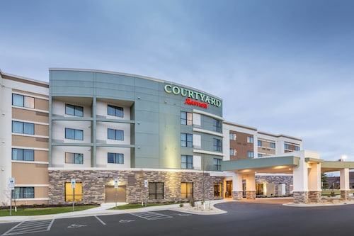 . Courtyard by Marriott Bismarck North