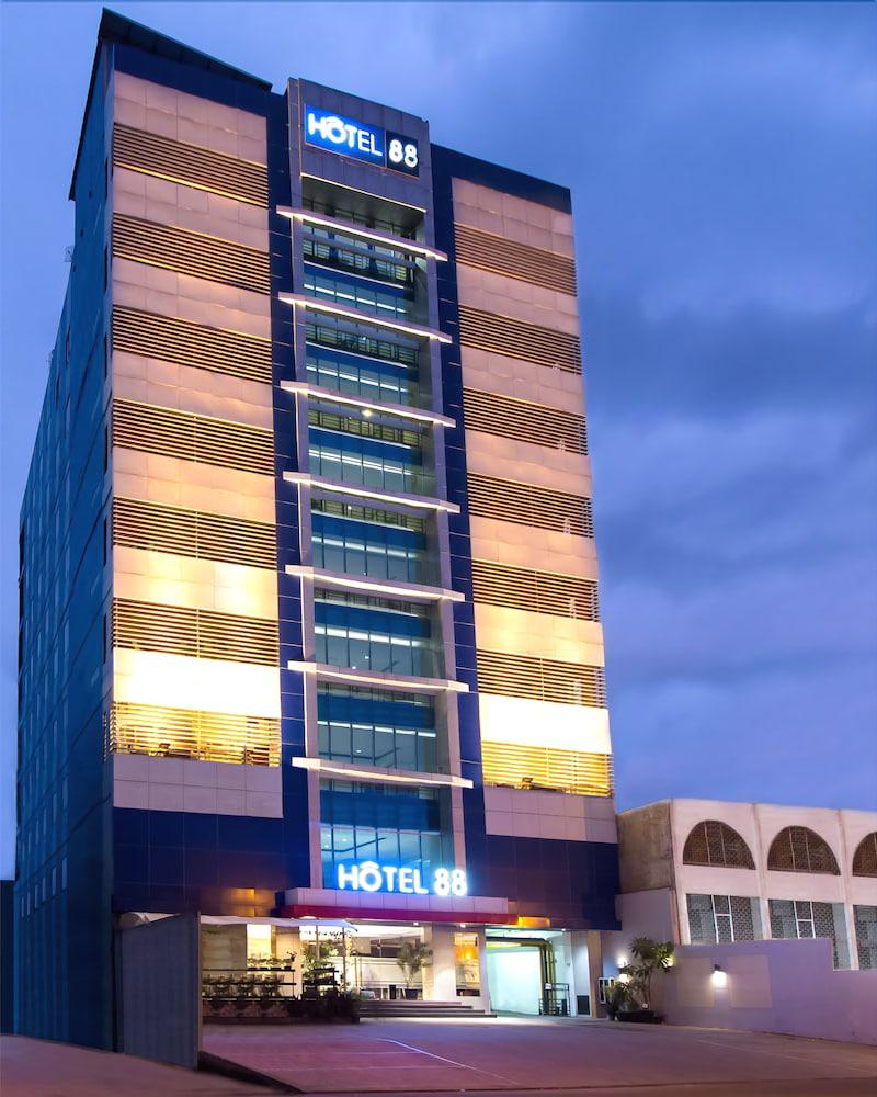 Bold Hotels hotel 88 jakarta mangga besar viii jetstar hotels australia