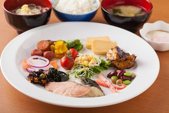 HOTEL MYSTAYS HANEDA Food and Drink