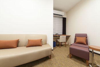 HOTEL MYSTAYS HANEDA Living Area