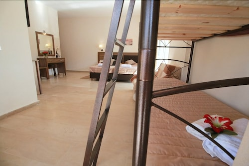 Hotel Yannis Corfu, Ionian Islands