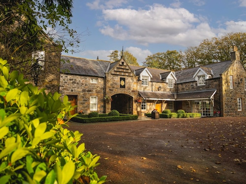 . Trump Macleod House & Lodge