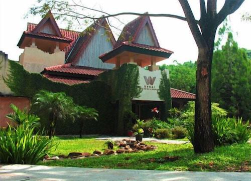 d'Riam Riverside Resort, Bandung