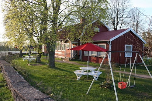 Edith & Julia Bed and Breakfast, Borgholm