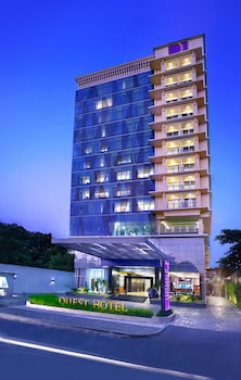 Hotel - Quest Hotel Surabaya