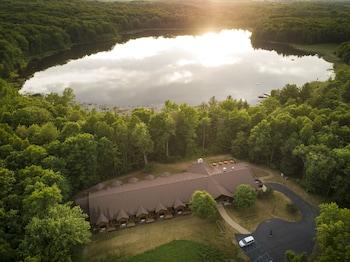Hotel - Rockwell Lake Lodge