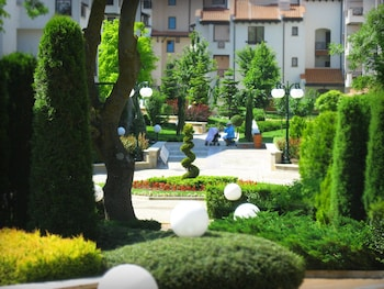 Oasis Resort & Spa