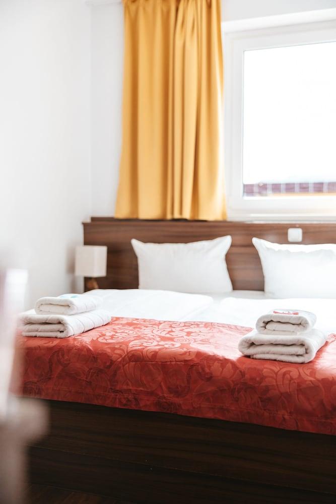 Hotel North