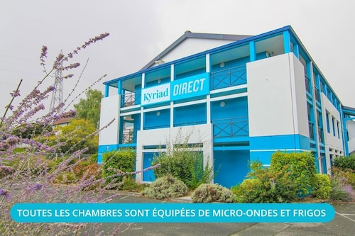 . Kyriad Direct Poitiers - Gare du Futuroscope