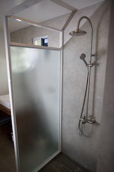 Cadlao Resort & Restaurant El Nido Bathroom Shower