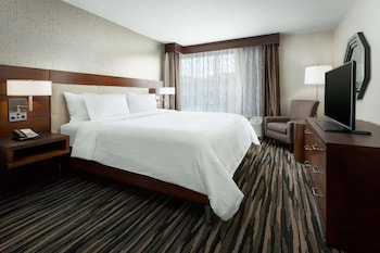 Suite, 1 King Bed, Accessible, Non Smoking (Hearing Accessible)