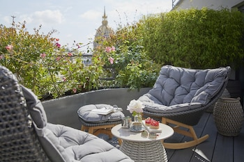 Suite, Terrace (Eiffel)
